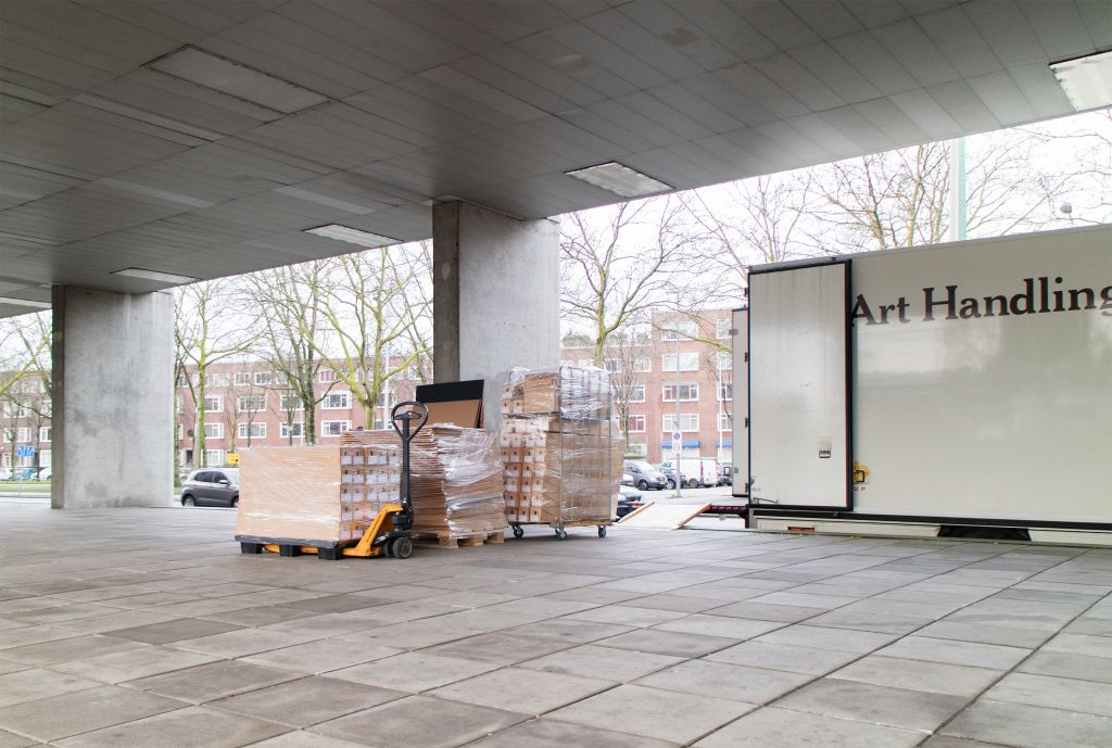 Archive documents in transit. Photo Paulien Routs.