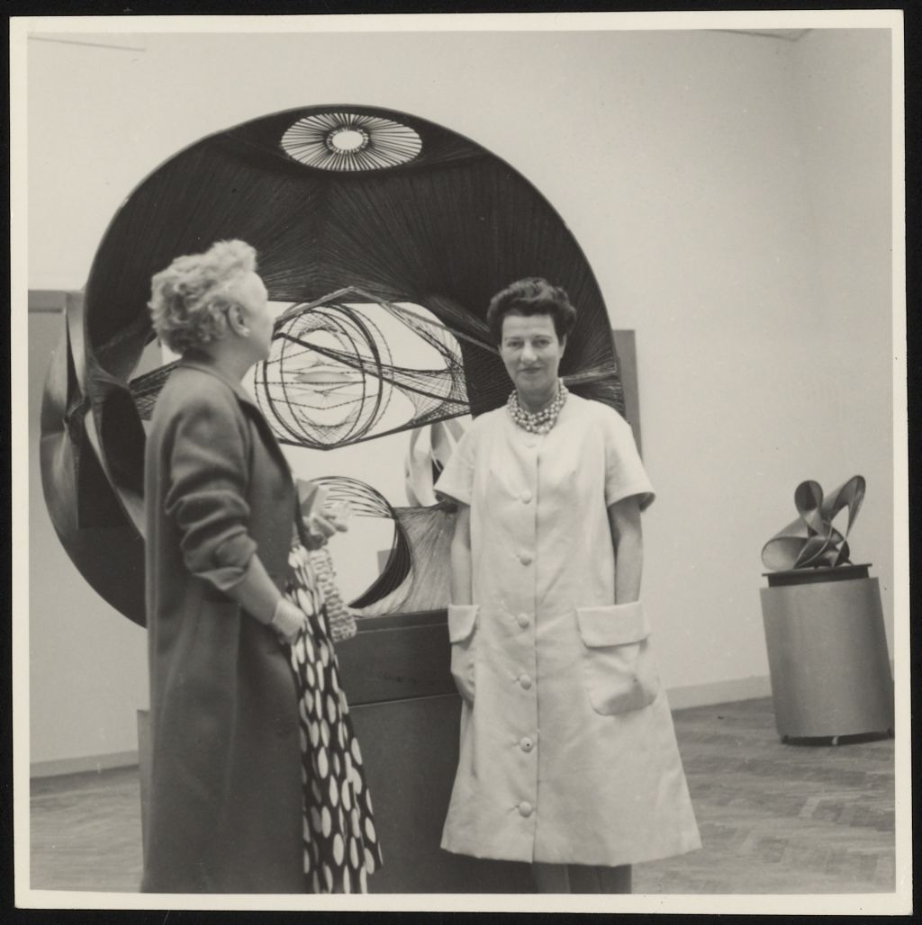Nelly van Doesburg and Peggy Guggenheim in an exhibition gallery during the Venice Biennale. Collection RKD. Archive Theo and Nelly van Doesburg.